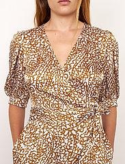 Second Female - Granada Wrap Dress - sommarklänningar - bronze brown - 3