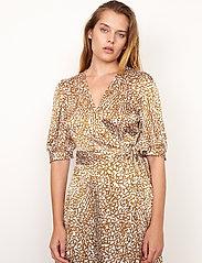 Second Female - Granada Wrap Dress - sommarklänningar - bronze brown - 5