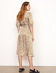 Second Female - Granada Wrap Dress - sommarklänningar - bronze brown - 6