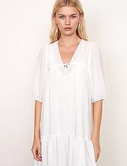 Second Female - Tara Dress - sommarklänningar - bright white - 5