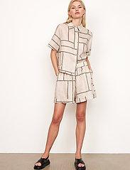 Second Female - Laval Shirt - kortärmade skjortor - parchment - 6