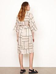 Second Female - Laval Dress - sommarklänningar - parchment - 7