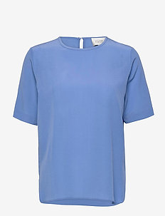 Tonga Silk SS T-Shirt - t-shirts - blue bonnet