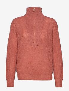 Zhou Knit T-Neck - TANDORI SPICE