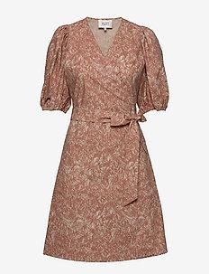 Straw SS Short Dress - omlottklänningar - mocha mousse