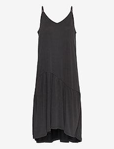Rayes New Dress - midiklänningar - black beauty