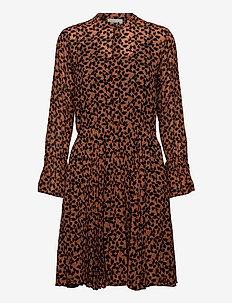 Hilma Dress - krótkie sukienki - desert sand