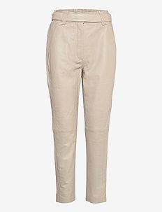 Indie Leather New Trousers - læderbukser - humus