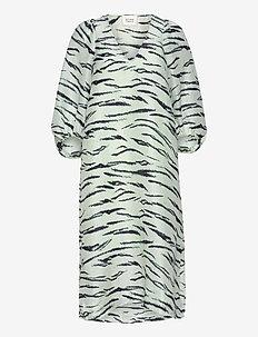 Tiger Midi Dress - sommarklänningar - clearly aqua