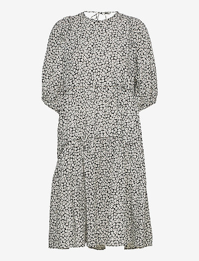 Line Dress - sommarklänningar - egret