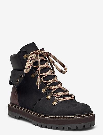 FLAT ANKLE BOOTS - niski obcas - black