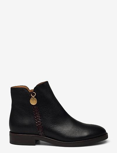 FLAT ANKLE BOOTS - flate ankelstøvletter - black