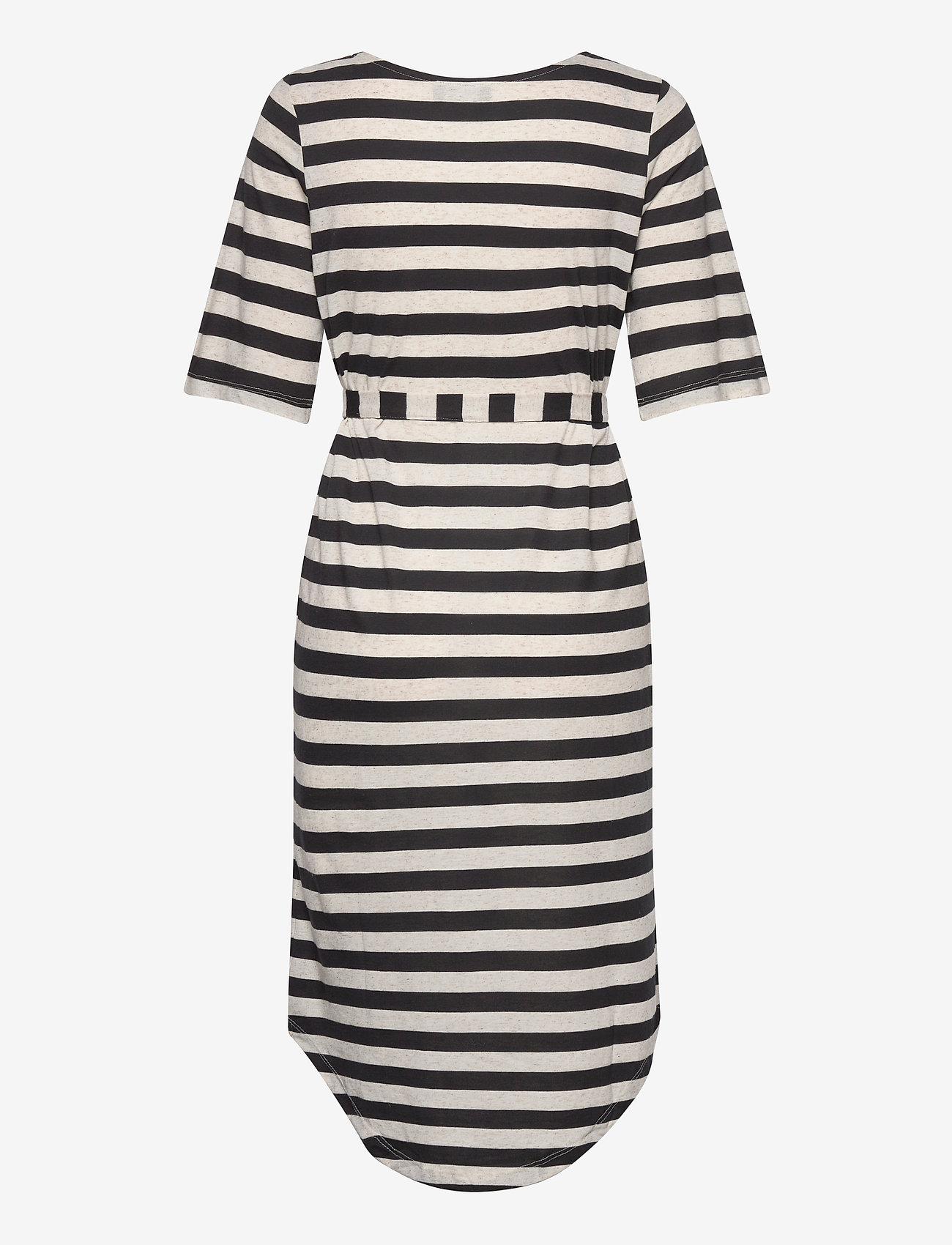 Selected Femme - SLFIVY 2/4 BEACH DRESS B - overige badmode - black - 1
