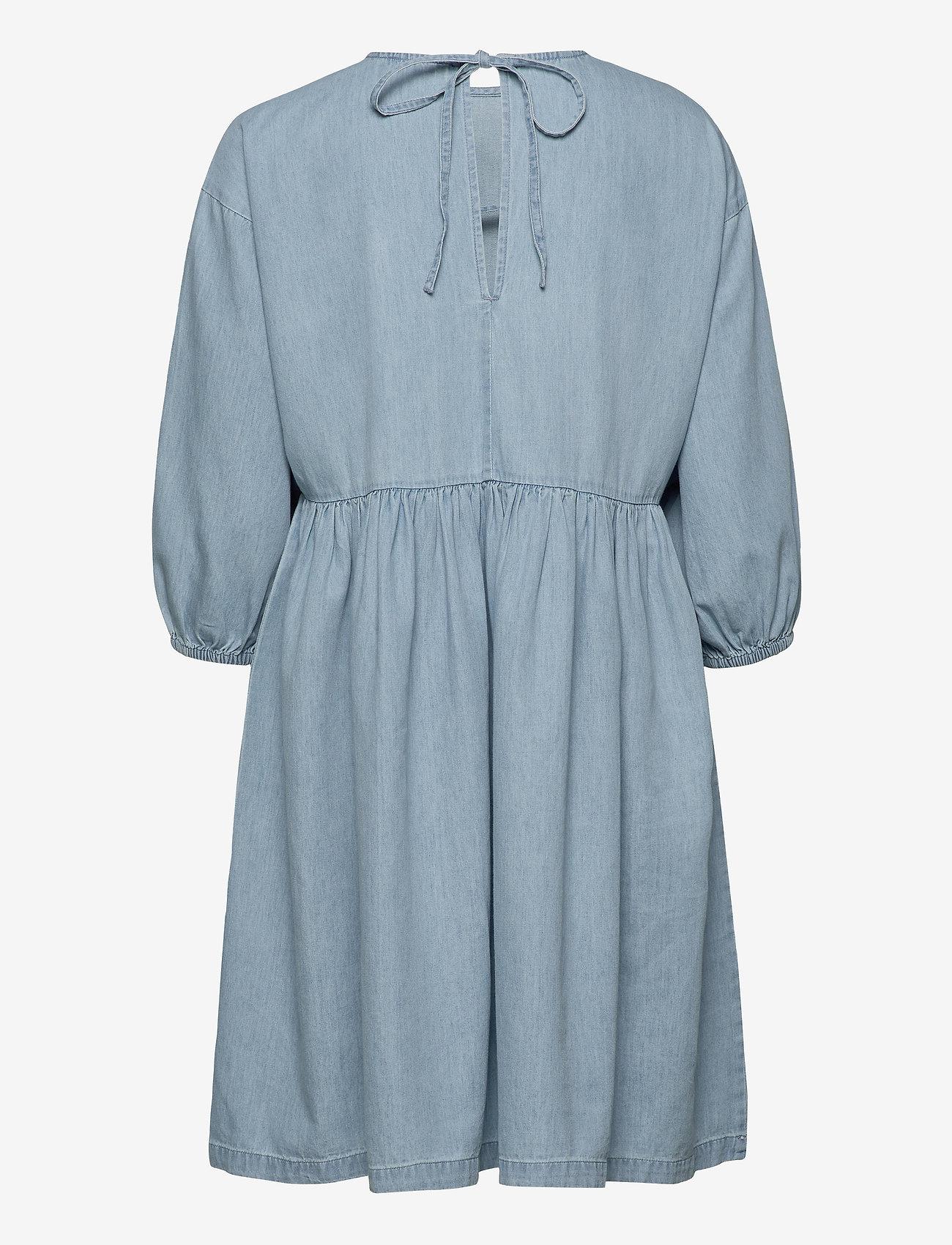 Selected Femme - SLFNOVO 3/4 SHORT DRESS W - denim dresses - light blue