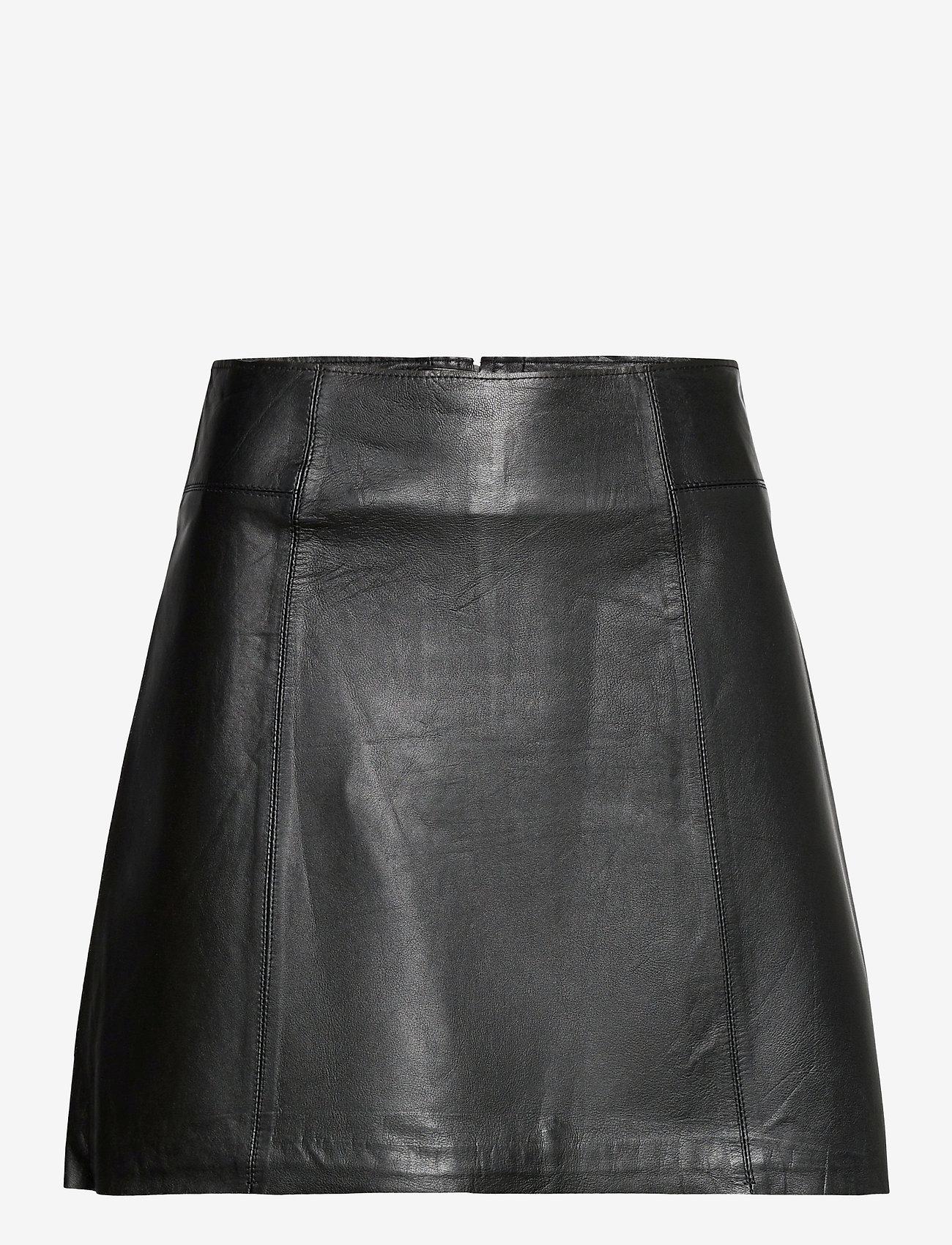 Selected Femme - SLFIBI MW LEATHER SKIRT B - korta kjolar - black - 0