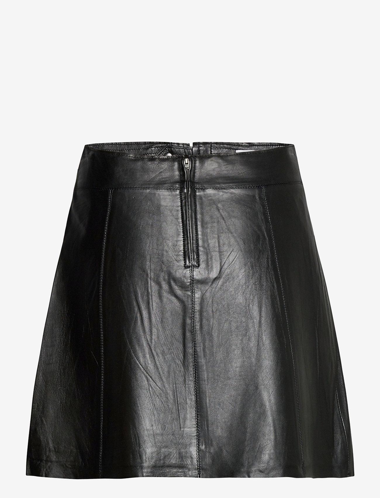 Selected Femme - SLFIBI MW LEATHER SKIRT B - korta kjolar - black - 1