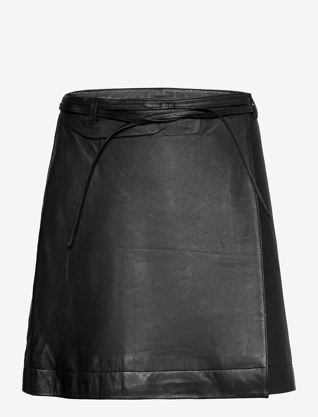 Selected Femme - SLFRALLA MW LEATHER SKIRT W - omlottkjolar - black - 0