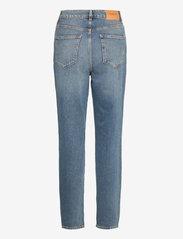 Selected Femme - SLFFRIDA HW MOM MIDLU JEANS U - straight jeans - medium blue denim - 1