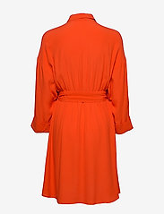 Selected Femme - SLFEMERY-VIENNA 7/8 SHORT DRESS B - robes chemises - orange.com - 1