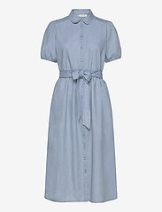 Selected Femme - SLFNOVO SS MIDI DRESS W - robes en jeans - light blue - 0