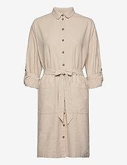 Selected Femme - SLFMALVINA-TONIA LS SHIRT DRESS B - robes chemises - sandshell - 2