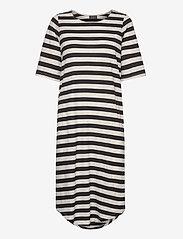 Selected Femme - SLFIVY 2/4 BEACH DRESS B - overige badmode - black - 2