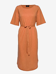Selected Femme - SLFIVY 2/4 BEACH DRESS B - strandtøj - caramel - 0