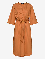 Selected Femme - SLFCARLOTTA 3/4 MIDI KAFTAN DRESS B - midi dresses - caramel - 0
