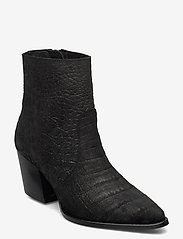Selected Femme - SLFJULIE SUEDE CROCO BOOT B - ankelstøvler med hæl - black - 0