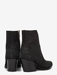 Selected Femme - SLFJULIE SUEDE CROCO BOOT B - ankelstøvler med hæl - black - 4