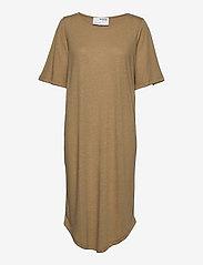 Selected Femme - SLFIVY 2/4EACH DRESS SOLID M - sommerkleider - kelp - 2