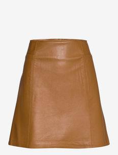 SLFIBI LEATHER SKIRT B - kurze röcke - rubber