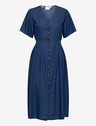 SLFCLARISA SS V NECK DRESS U - midi dresses - medium blue denim