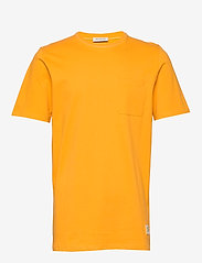 Selected Homme - SLHGILROY SS O-NECK TEE W - basic t-shirts - old gold - 0
