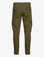 Selected Homme - SLHSLIMCOMFORT-AARON PANTS W - cargobukser - dark olive - 1