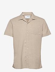Selected Homme - SLHREGSOFT CUBAN SHIRT SS W - chemises à carreaux - crockery - 0