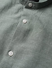 Selected Homme - SLHSLIMLINEN SHIRT SS CHINA B - basic skjorter - sea spray - 2