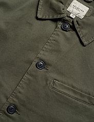 Selected Homme - SLHJAKE JACKET W - podstawowe koszulki - beetle - 2