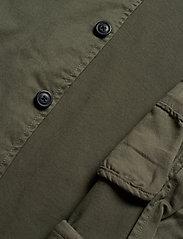 Selected Homme - SLHJAKE JACKET W - podstawowe koszulki - beetle - 4