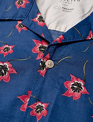 Selected Homme - SLHSLIMGALE SHIRT SS AOP W CAMP - short-sleeved shirts - estate blue - 3