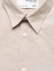 Selected Homme - SLHREGNEW-LINEN SHIRT SS CLASSIC W - koszule w kratkę - crockery - 2