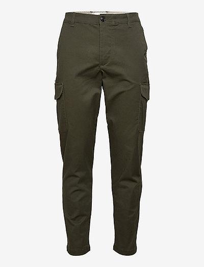 SLHSLIMTAPERED-GAINFORD CARGO PANTS - pantalon cargo - forest night