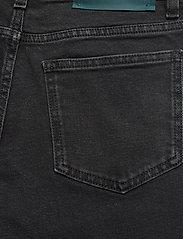 Self Cinema - Womens Slim Straight Jean - slim jeans - washed black - 4