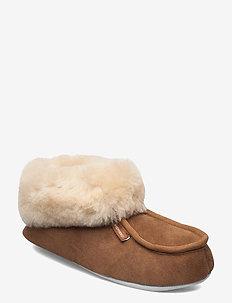 Moa - slippers - chestnut