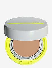 Shiseido - SUN MAKEUP BB SPORT COMPACT LIGHT - bb & cc creme - light - 0