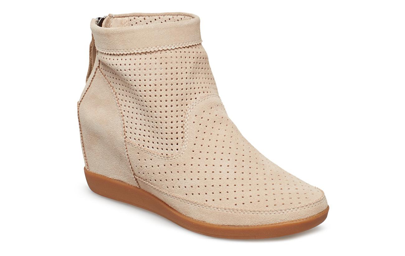 Shoe The Bear EMMY S