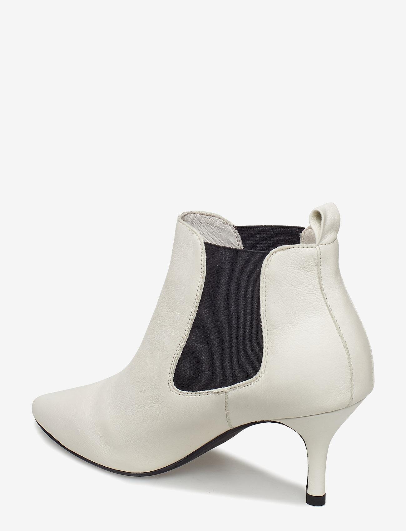 Agnete Chelsea L (White) - Shoe The Bear