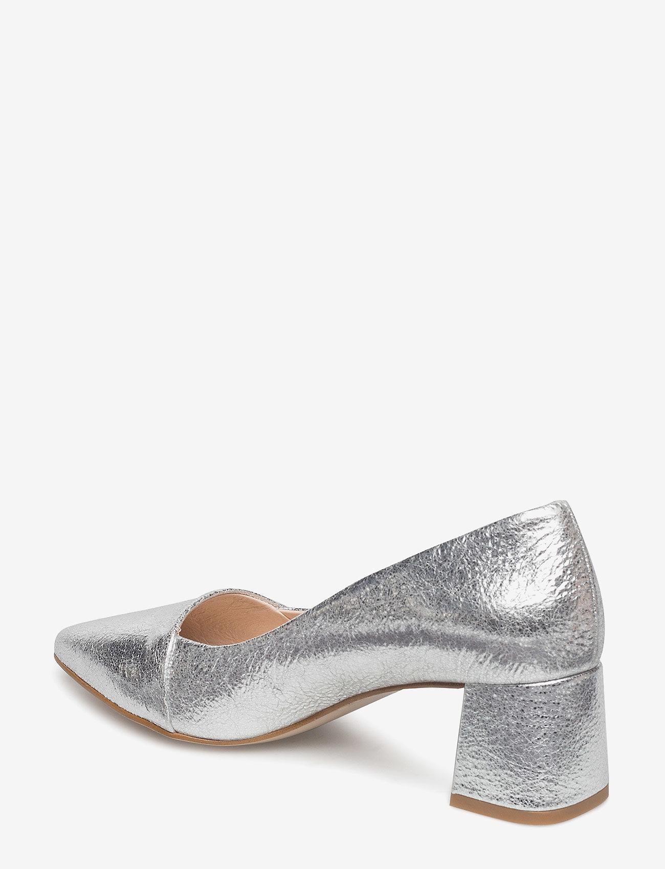 Allison L (Silver) - Shoe The Bear