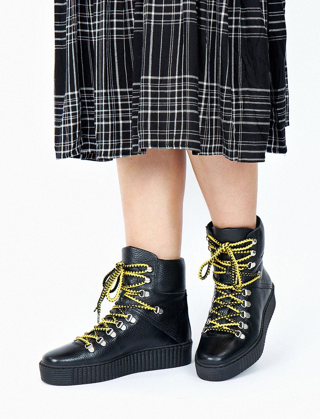Shoe The Bear - AGDA L - flat ankle boots - black / black - 0