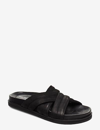 STB-FAMARA MULTI STRAP N - flade sandaler - black